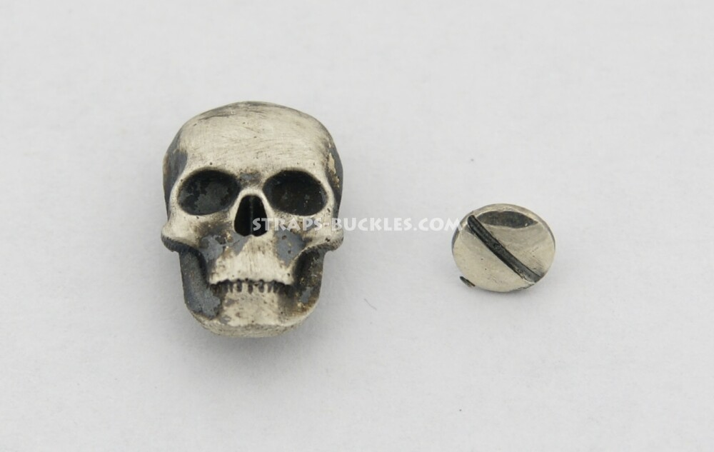 Skull silver medium