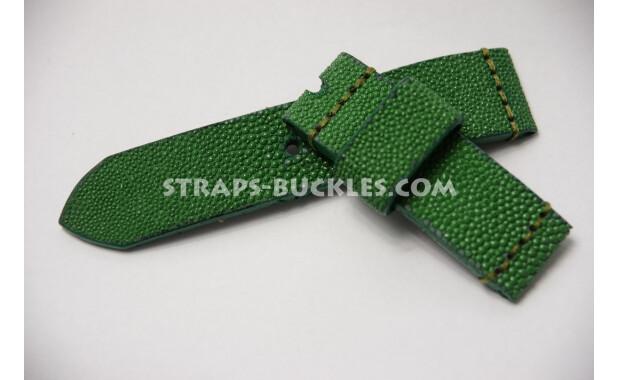 """Часовой ремешок """"зеленый скат"""" из неполированной кожи ската."""