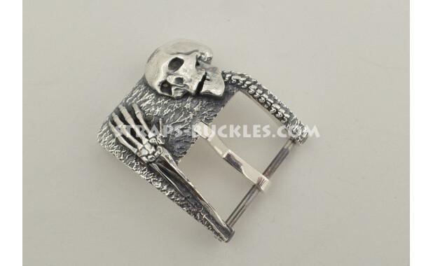 Skull and bones silver 24 mm